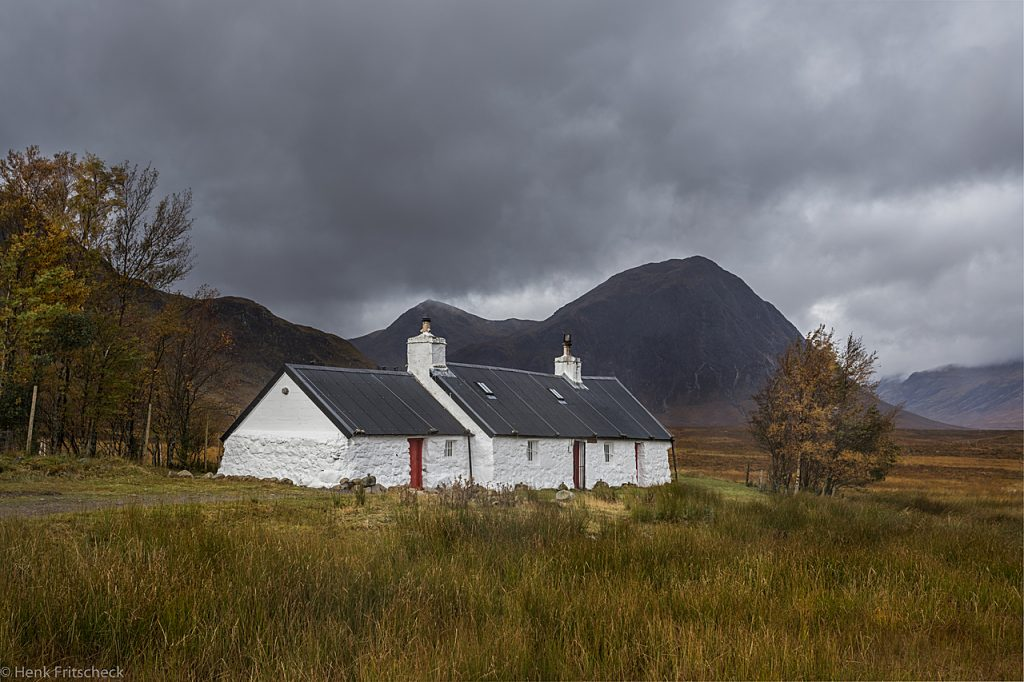 Blackrock cottage with mountains visible 4114